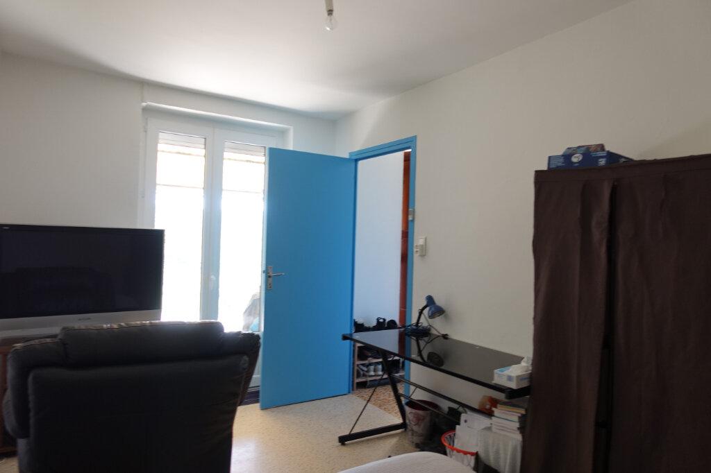Appartement à louer 3 52m2 à Chauzon vignette-4