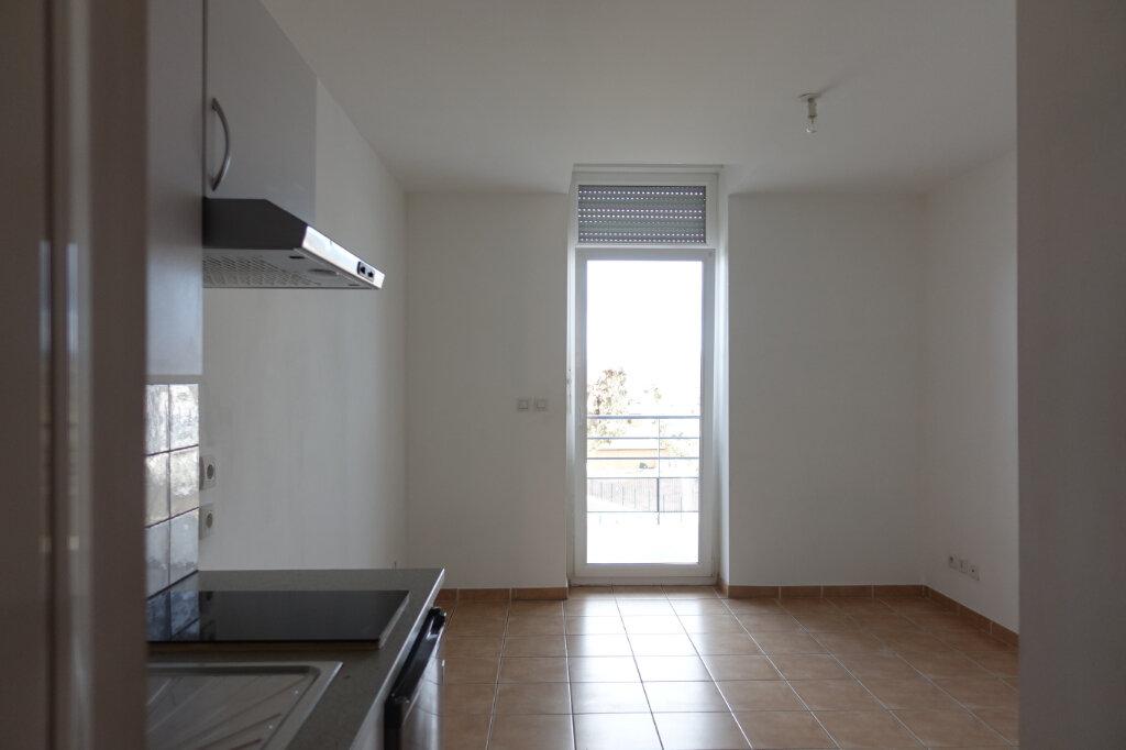 Appartement à louer 1 18.9m2 à Ruoms vignette-1