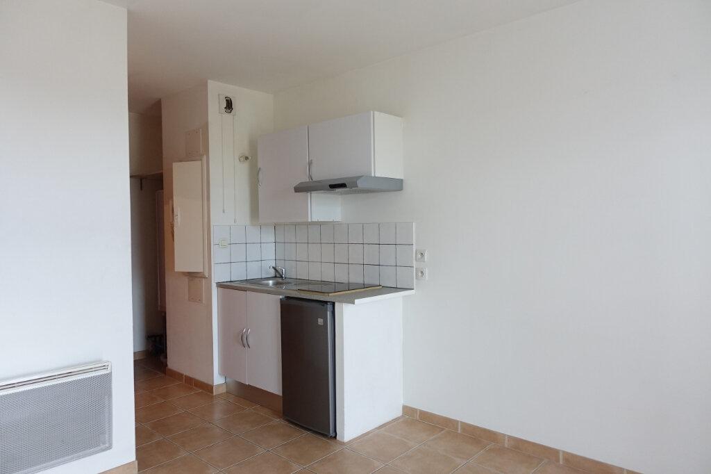 Appartement à louer 1 18.9m2 à Ruoms vignette-2