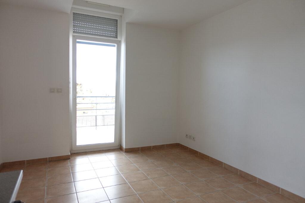 Appartement à louer 1 18.9m2 à Ruoms vignette-3