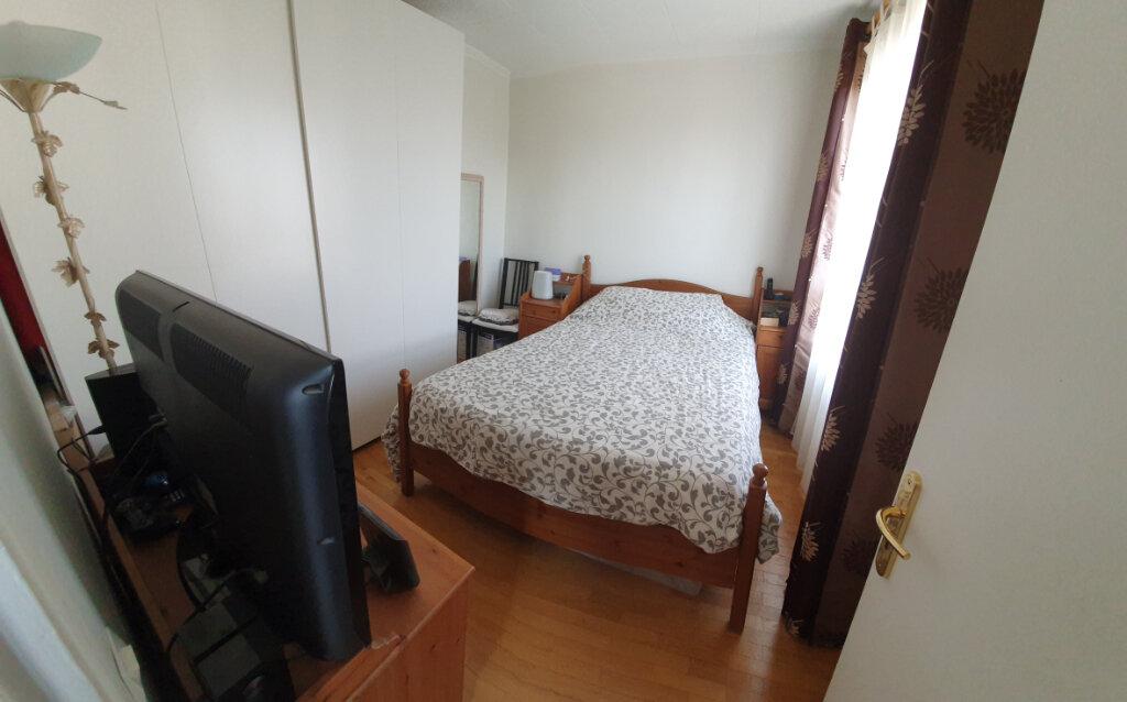 Appartement à vendre 4 62m2 à Drancy vignette-2