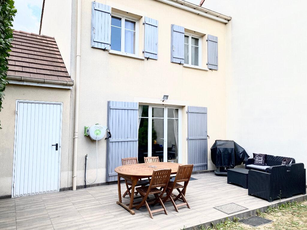 Maison à vendre 4 78m2 à Le Bourget vignette-3