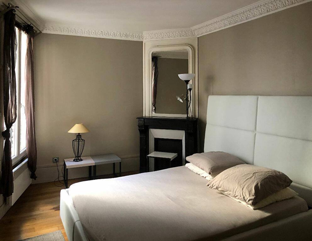 Appartement à louer 3 56.8m2 à Paris 7 vignette-5