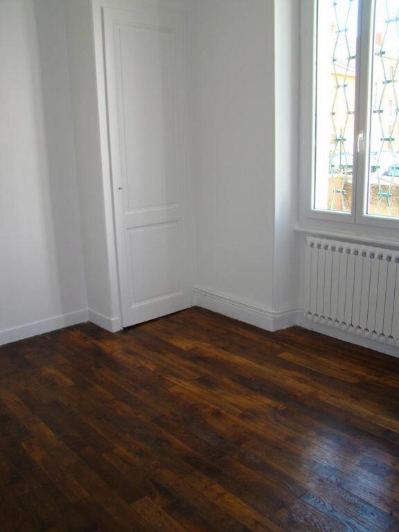 Appartement à louer 2 53.82m2 à Villeurbanne vignette-3