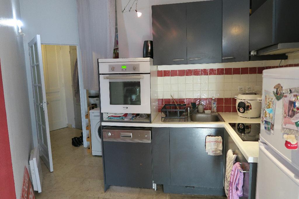 Appartement à louer 2 52.07m2 à Villeurbanne vignette-3