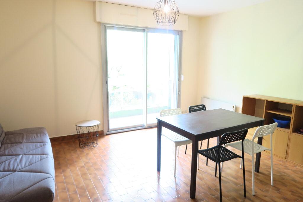 Appartement à louer 1 28.28m2 à Villeurbanne vignette-3