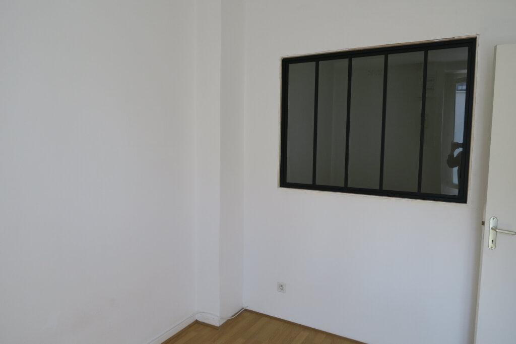 Appartement à louer 2 36.02m2 à Villeurbanne vignette-3