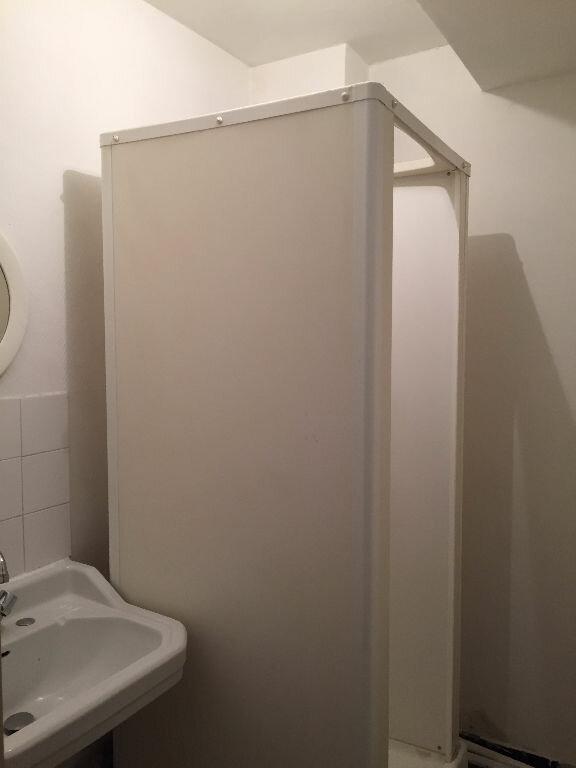 Appartement à louer 4 61.05m2 à Villeurbanne vignette-5