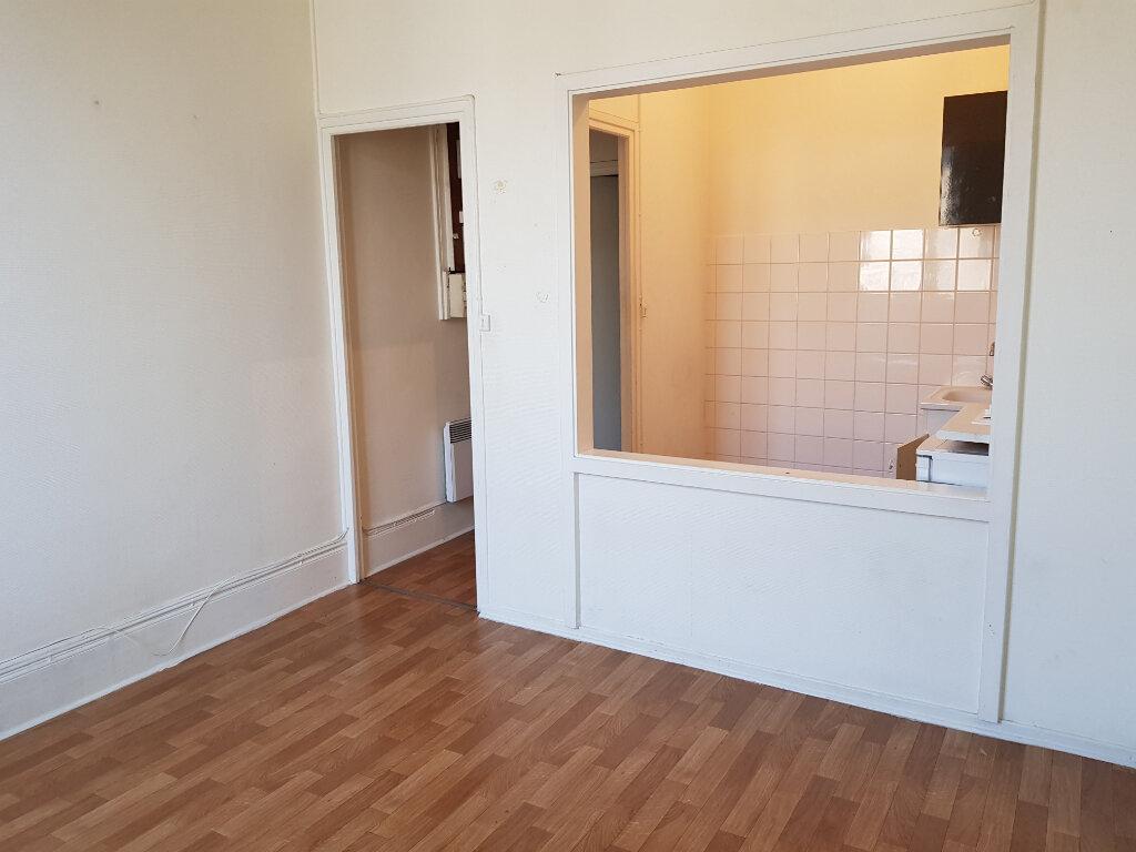 Appartement à louer 1 26.57m2 à Villeurbanne vignette-1