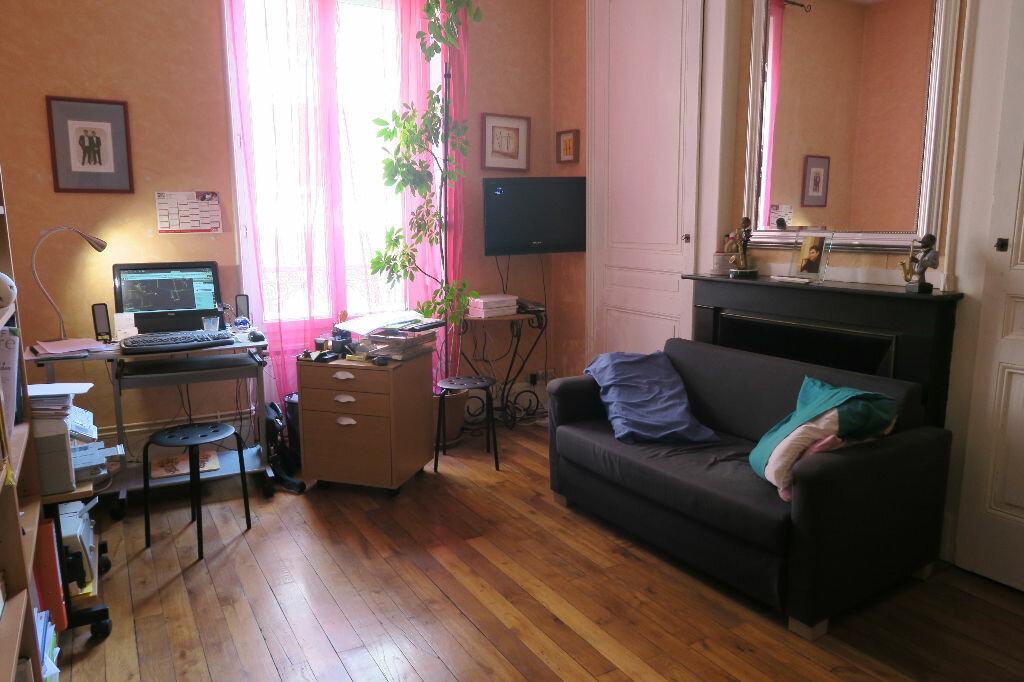 Appartement à louer 1 45.78m2 à Villeurbanne vignette-1
