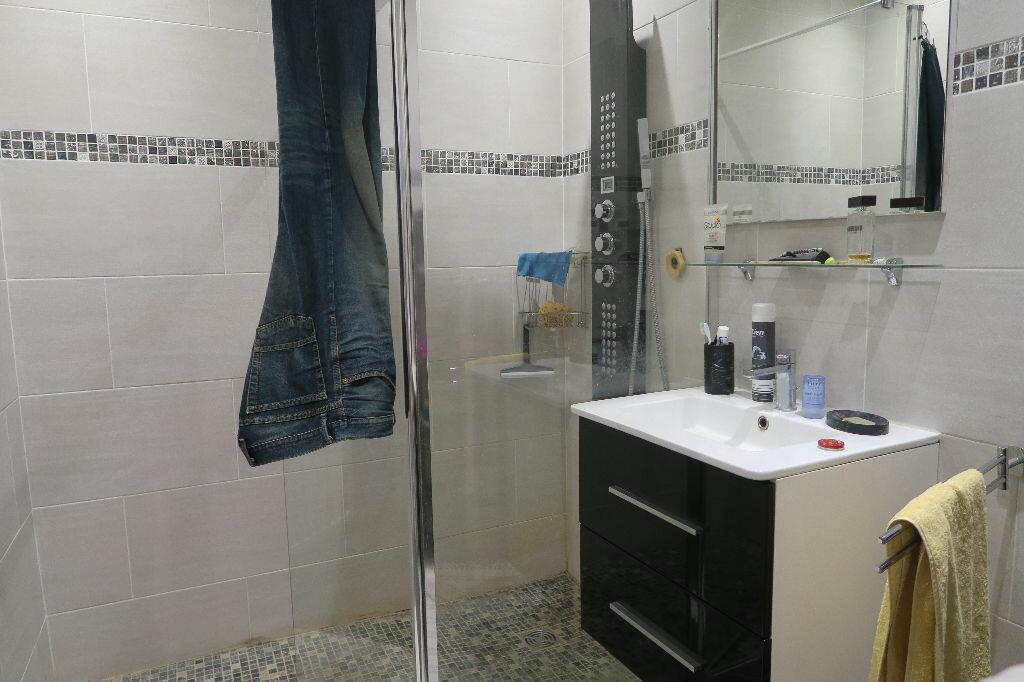 Appartement à louer 1 45.78m2 à Villeurbanne vignette-3