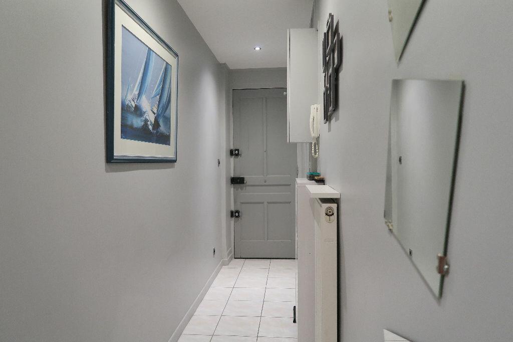 Appartement à louer 1 45.78m2 à Villeurbanne vignette-7