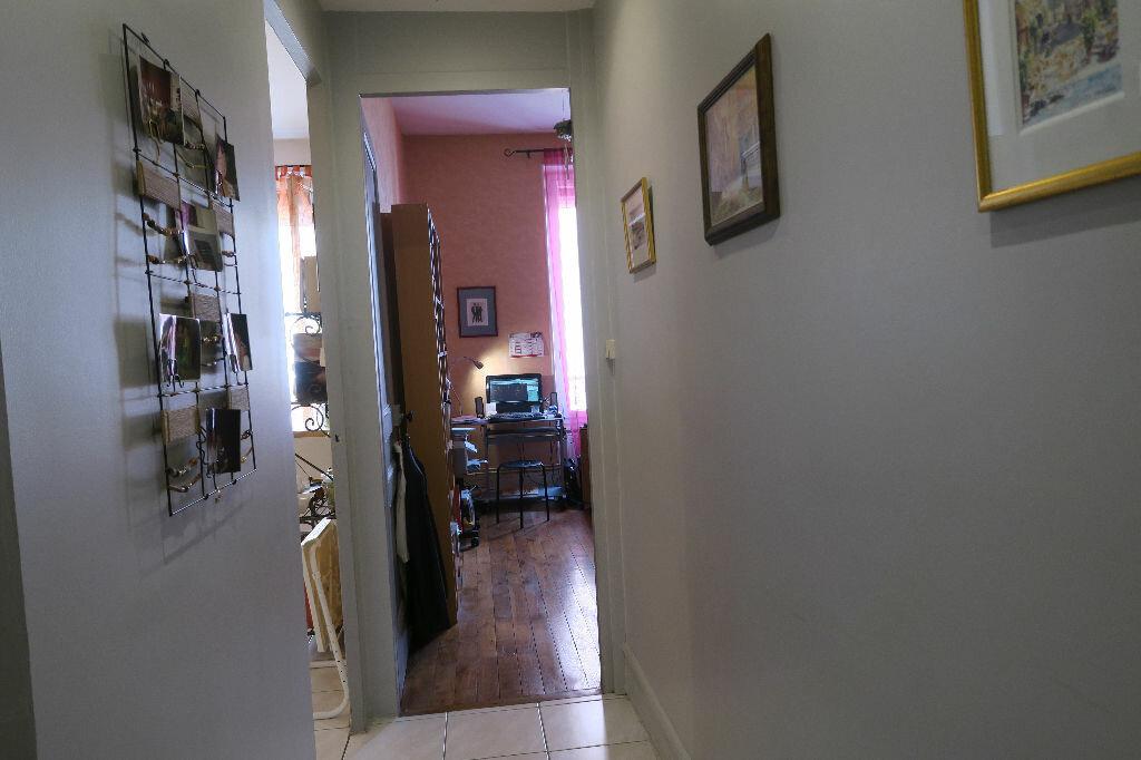 Appartement à louer 1 45.78m2 à Villeurbanne vignette-8