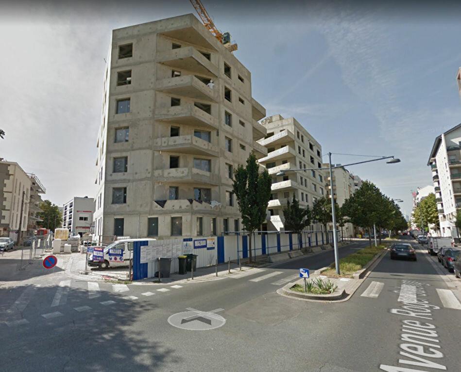 Stationnement à louer 0 0m2 à Villeurbanne vignette-2