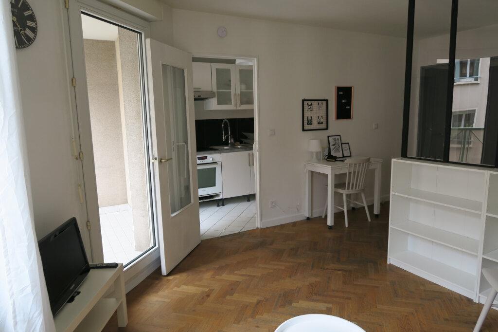 Appartement à louer 1 32.52m2 à Villeurbanne vignette-6
