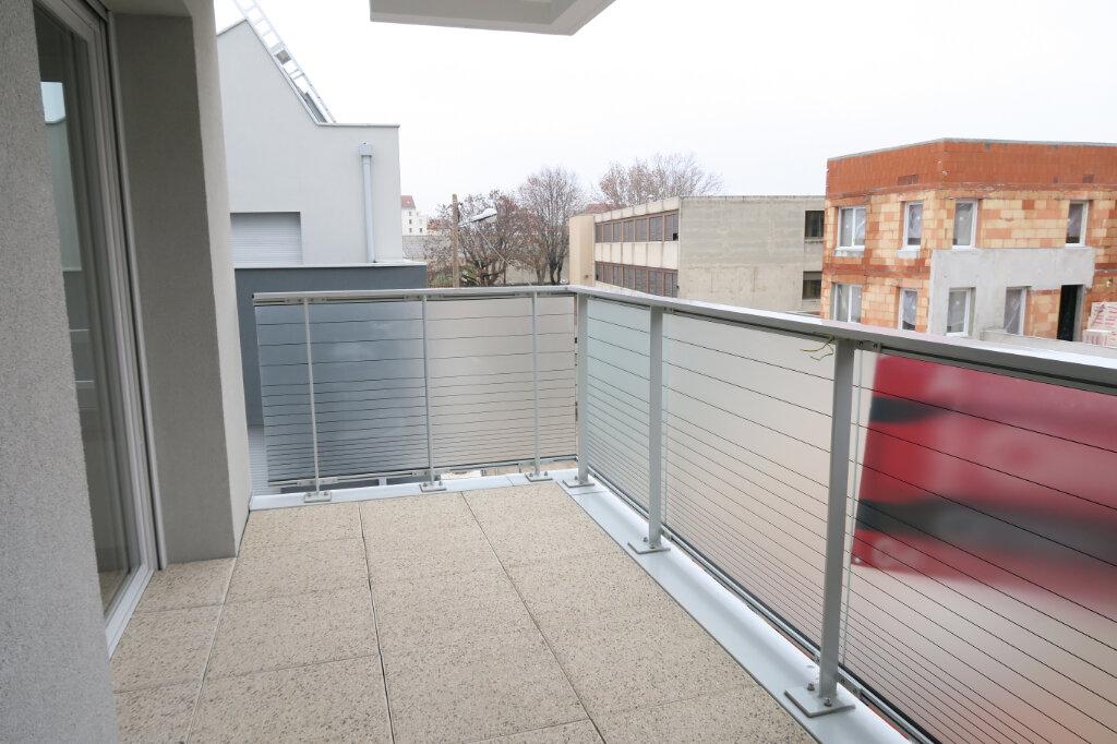 Appartement à louer 3 57.96m2 à Villeurbanne vignette-4