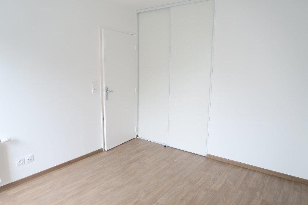 Appartement à louer 3 57.96m2 à Villeurbanne vignette-8