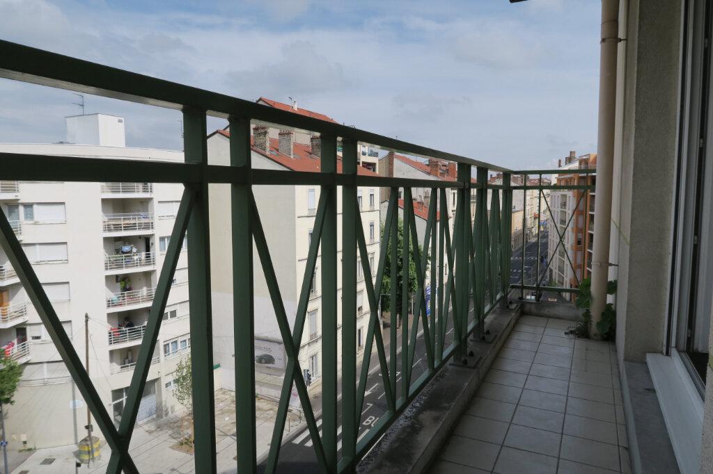 Appartement à louer 2 31.37m2 à Villeurbanne vignette-2
