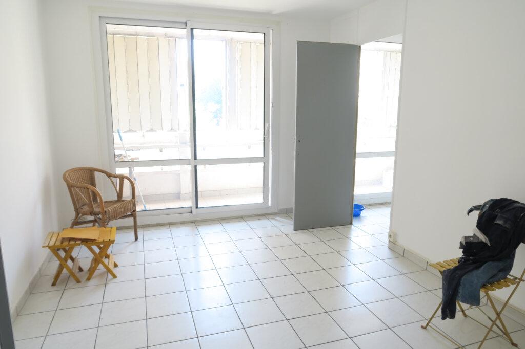 Appartement à louer 3 57m2 à Villeurbanne vignette-1