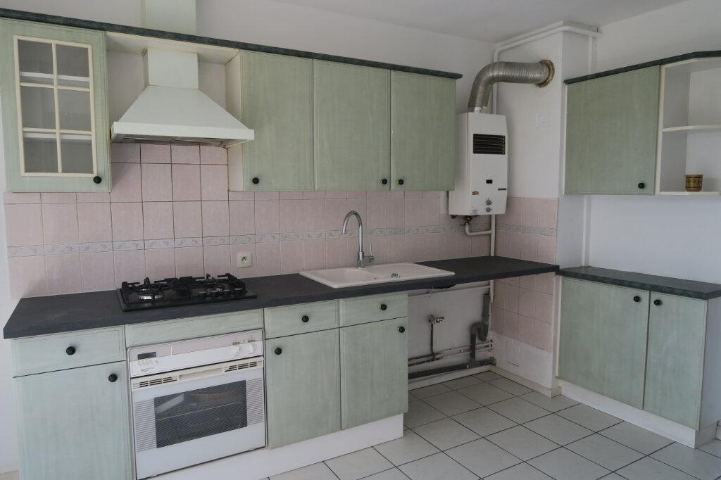 Appartement à louer 3 57m2 à Villeurbanne vignette-4