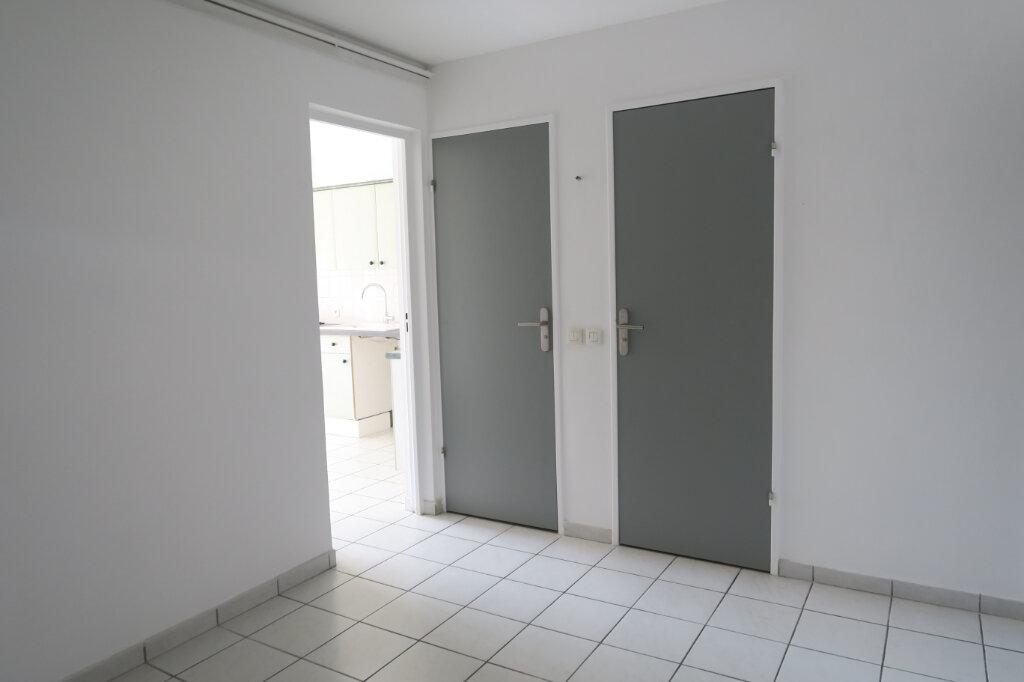 Appartement à louer 3 57m2 à Villeurbanne vignette-7