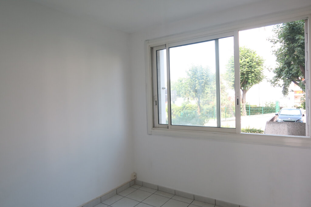 Appartement à louer 3 57m2 à Villeurbanne vignette-8