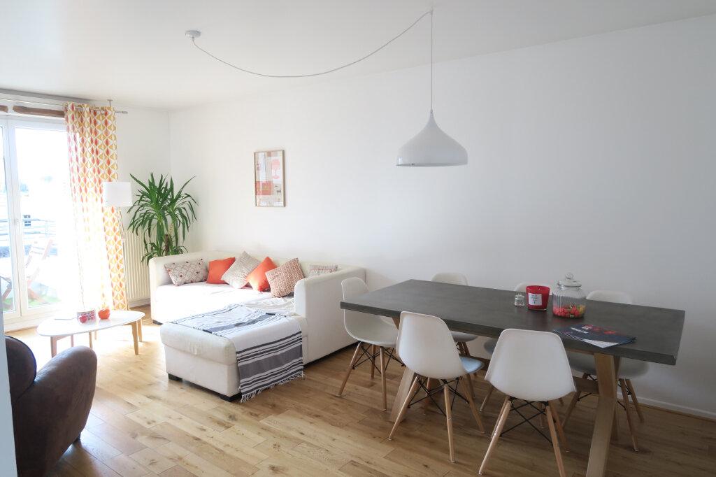 Appartement à louer 4 81.95m2 à Lyon 9 vignette-2