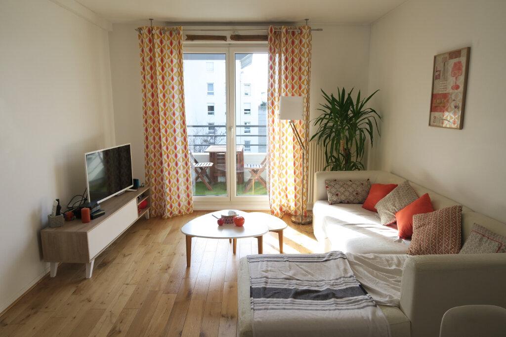 Appartement à louer 4 81.95m2 à Lyon 9 vignette-3