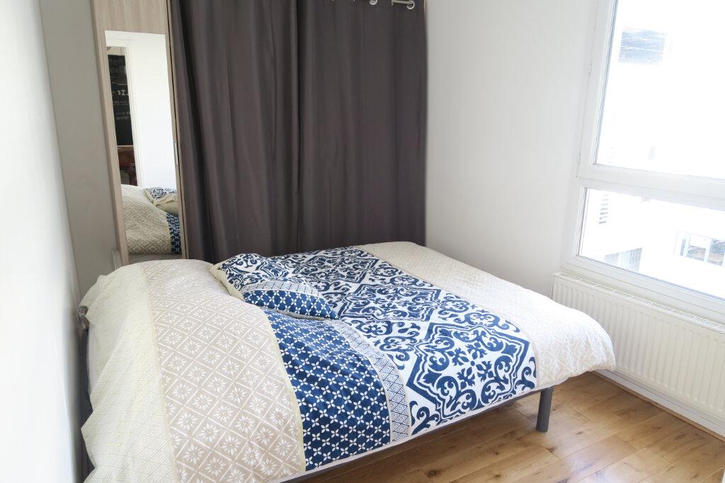 Appartement à louer 4 81.95m2 à Lyon 9 vignette-5