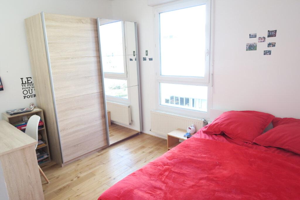 Appartement à louer 4 81.95m2 à Lyon 9 vignette-6