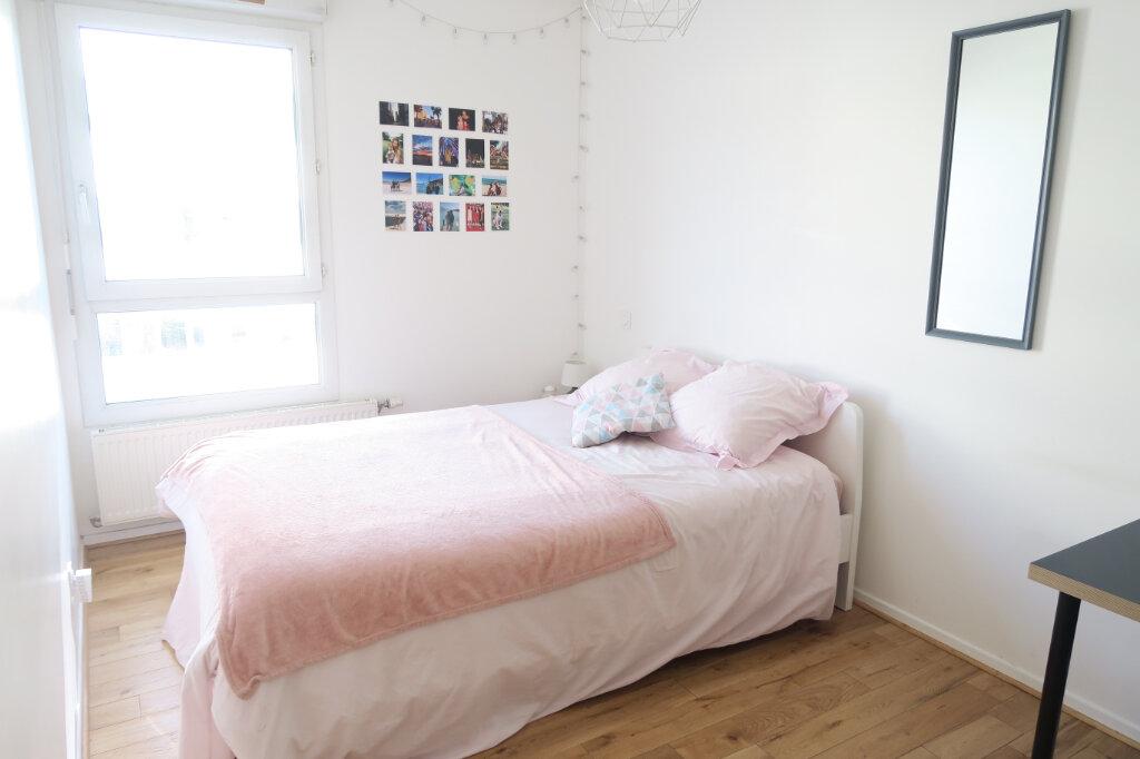 Appartement à louer 4 81.95m2 à Lyon 9 vignette-7