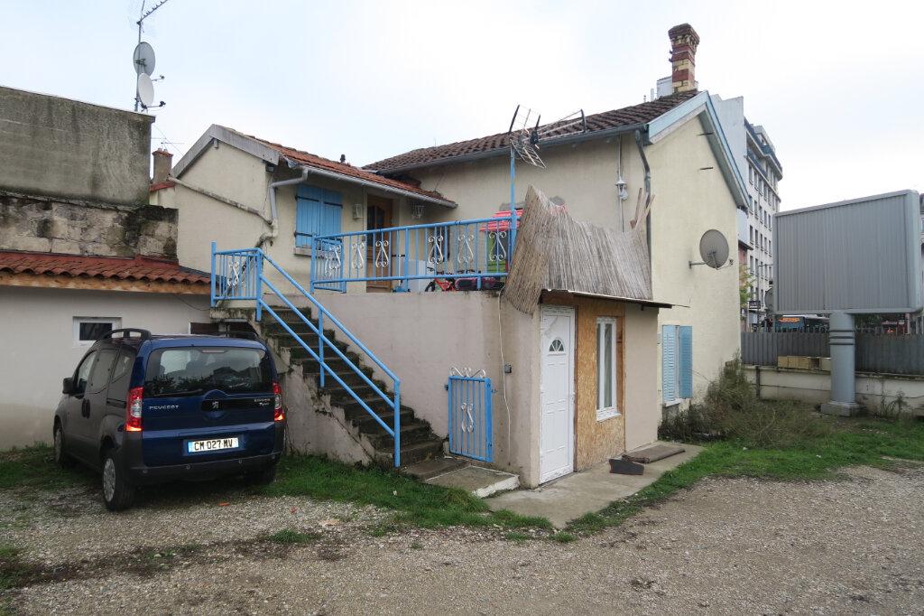 Maison à vendre 6 163m2 à Villeurbanne vignette-1