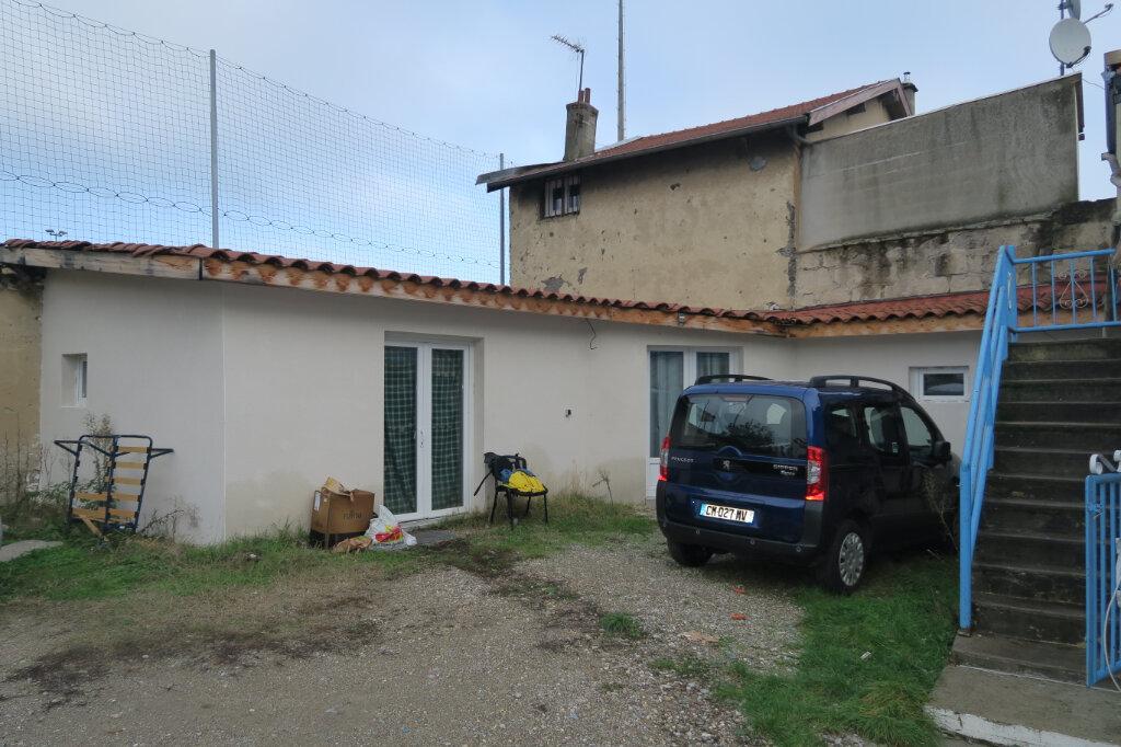 Maison à vendre 6 163m2 à Villeurbanne vignette-4