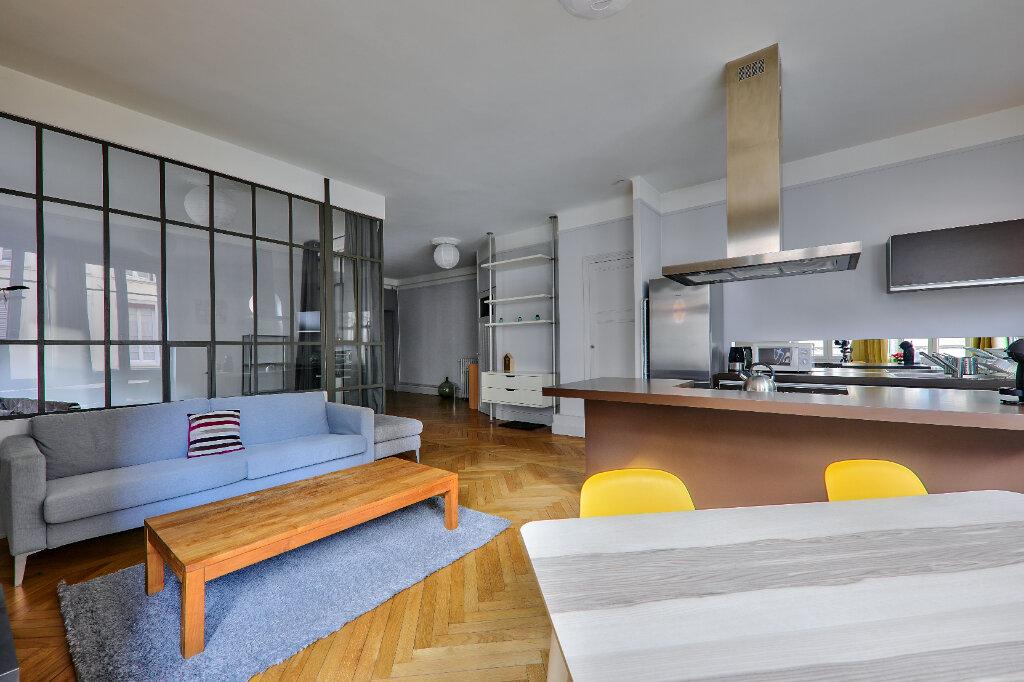 Appartement à louer 3 83.17m2 à Lyon 6 vignette-2