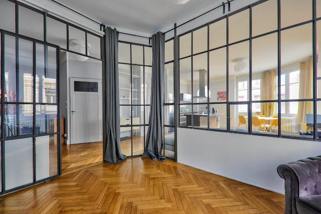Appartement à louer 3 83.17m2 à Lyon 6 vignette-5