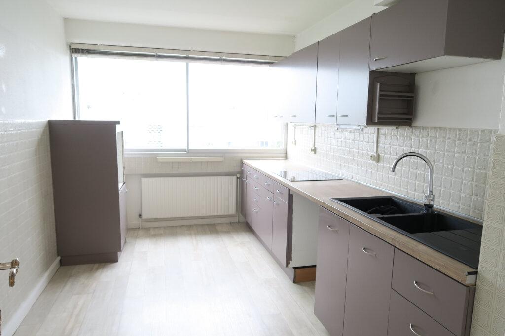 Appartement à vendre 4 96.3m2 à Villeurbanne vignette-3
