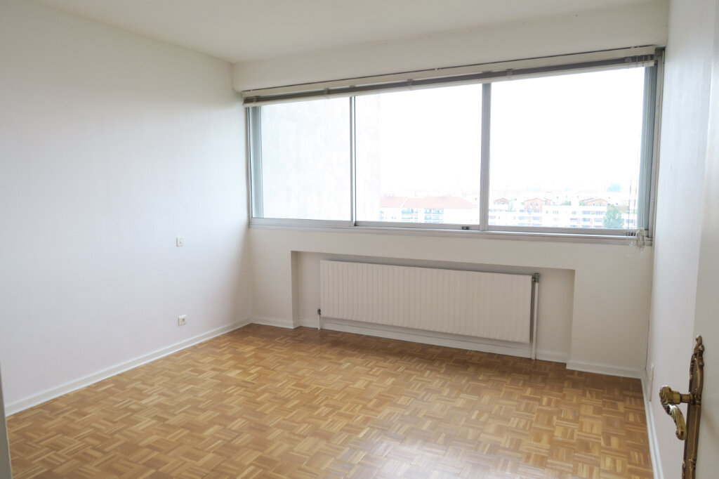 Appartement à vendre 4 96.3m2 à Villeurbanne vignette-4