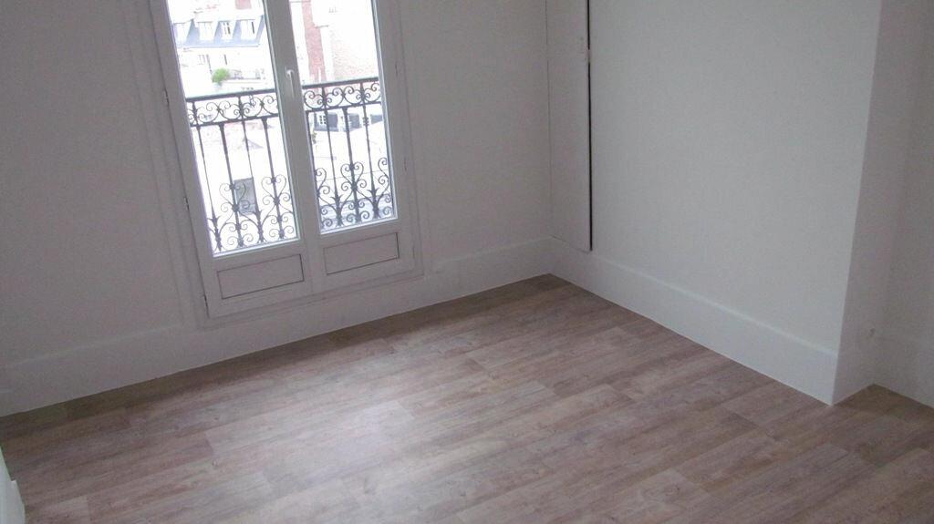 Appartement à louer 2 32m2 à Paris 16 vignette-2
