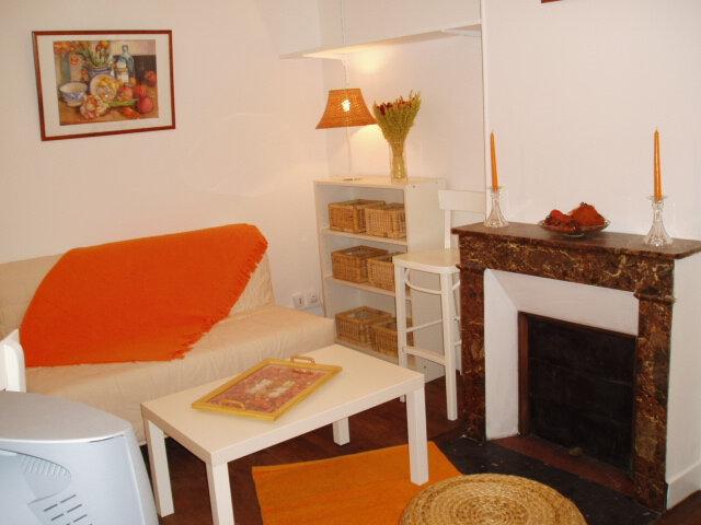 Appartement à louer 1 19m2 à Paris 17 vignette-1