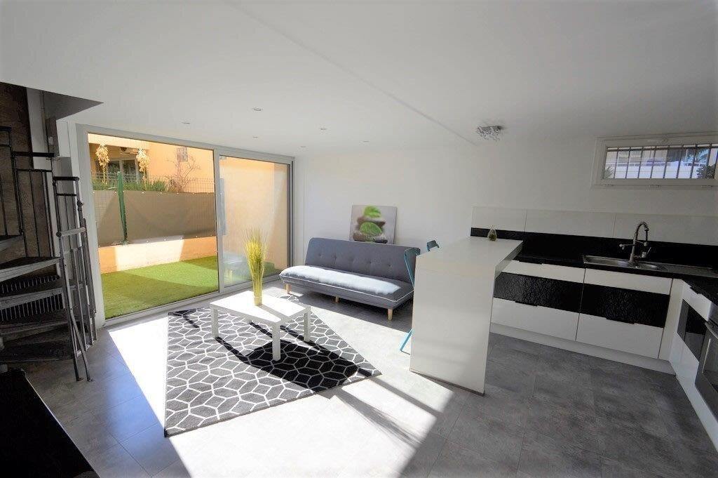 Appartement à vendre 3 53.97m2 à Fréjus vignette-1