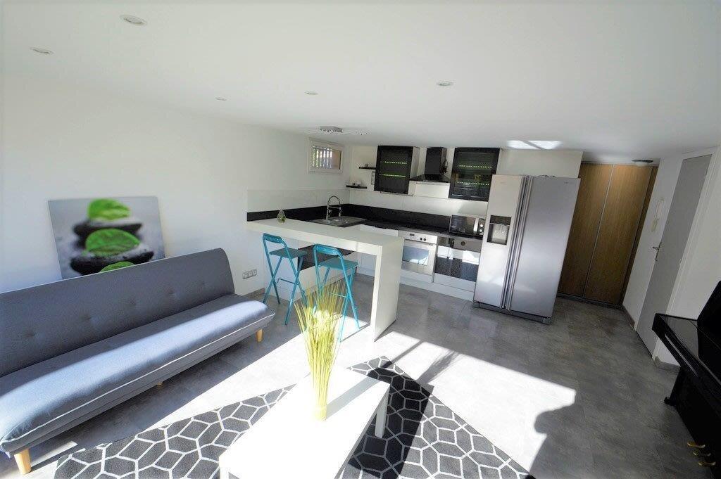 Appartement à vendre 3 53.97m2 à Fréjus vignette-2