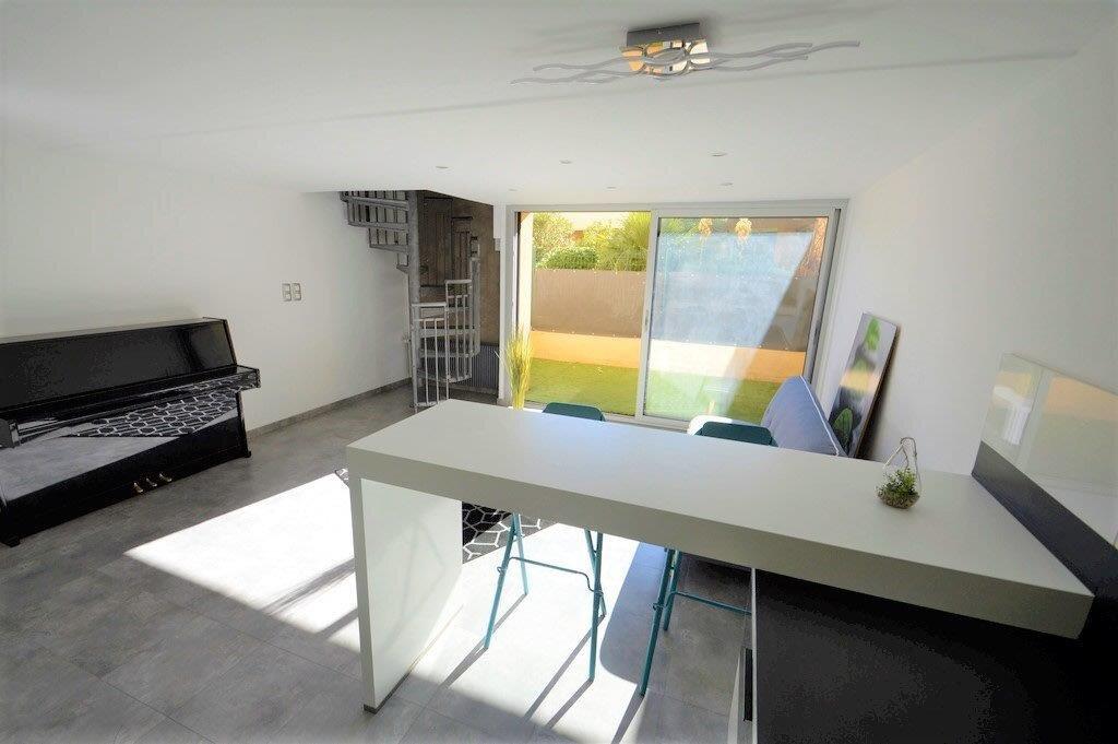 Appartement à vendre 3 53.97m2 à Fréjus vignette-5