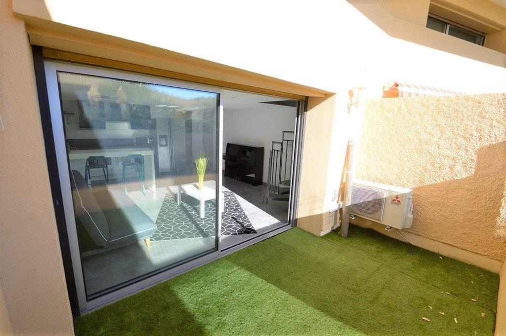 Appartement à vendre 3 53.97m2 à Fréjus vignette-12