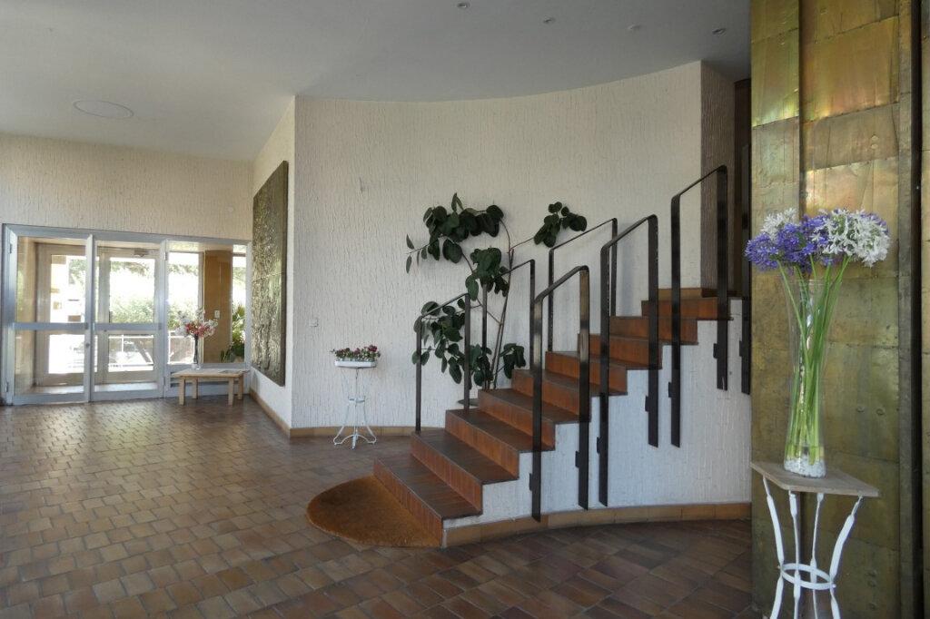 Appartement à vendre 3 53.97m2 à Fréjus vignette-13