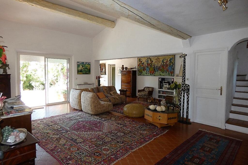 Maison à vendre 7 110m2 à Fréjus vignette-4