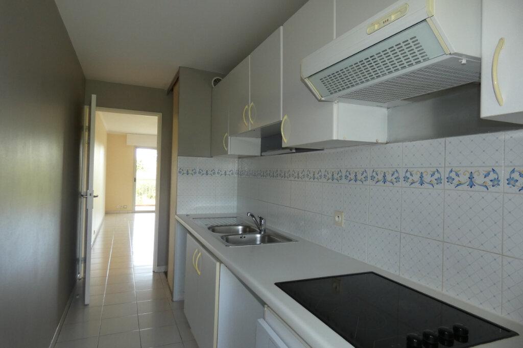 Appartement à vendre 3 59.5m2 à Saint-Raphaël vignette-5