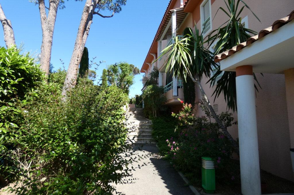 Appartement à vendre 3 59.5m2 à Saint-Raphaël vignette-11