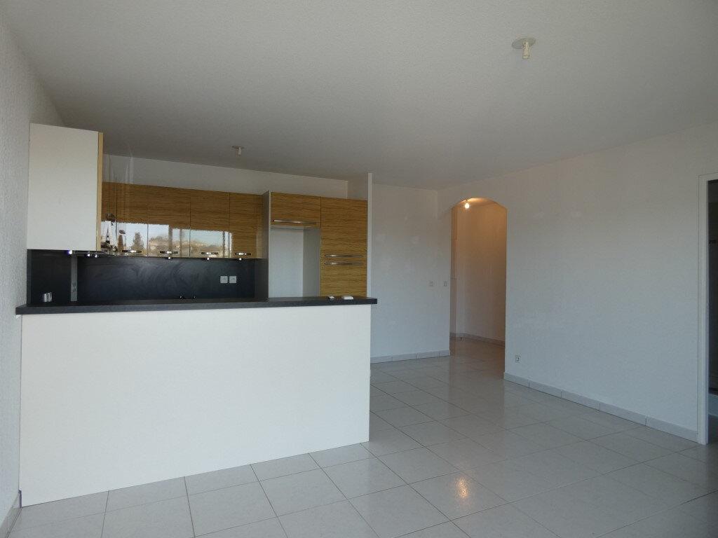 Appartement à louer 2 42.8m2 à Saint-Raphaël vignette-6