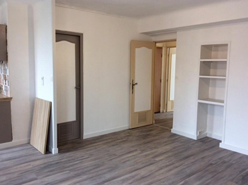 Appartement à vendre 2 42.33m2 à Saint-Raphaël vignette-3