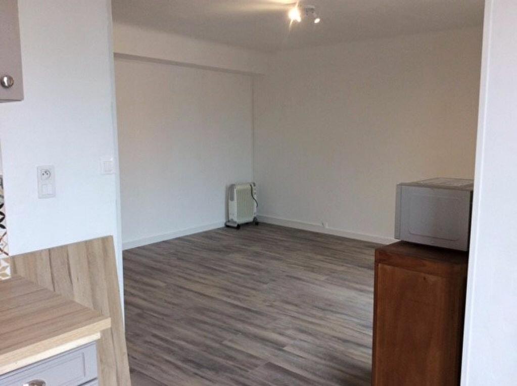 Appartement à vendre 2 42.33m2 à Saint-Raphaël vignette-4